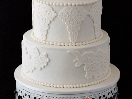 Vintage Wedding Cake with a Peony & Lace Effect for Anita