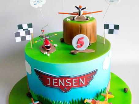 Dusty Plane Cake for Jensen