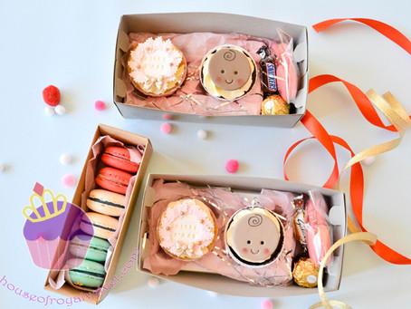 Christmas Cupcakes & Macarons
