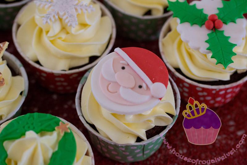 santa cupcake