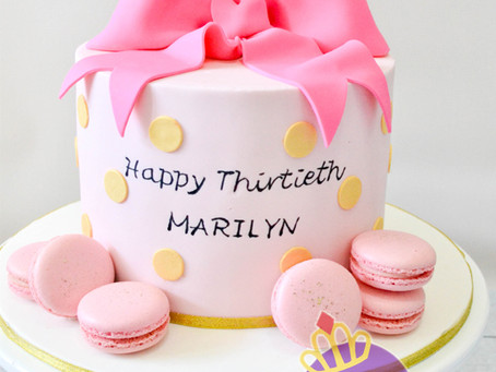 Bow Cake for Marilyn