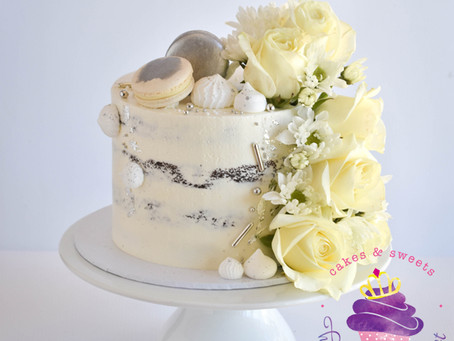 Semi naked cake with silver details