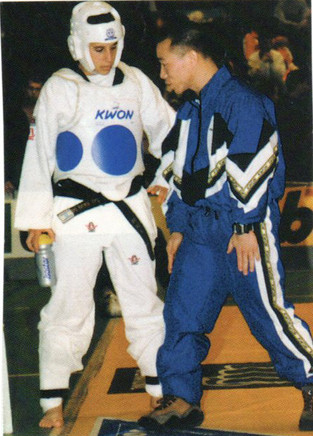 1998-תמר גולן חברת נבחרת ישראל עם המאמן