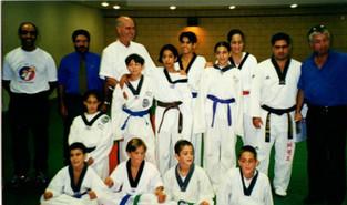 2000-אבי כדורי ביקור במועדון אחי יהודה