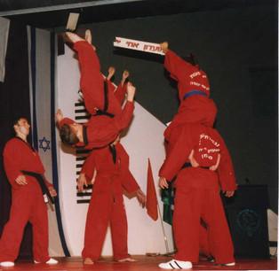 1999-רן שורר במופע מועדון אחי יהודה