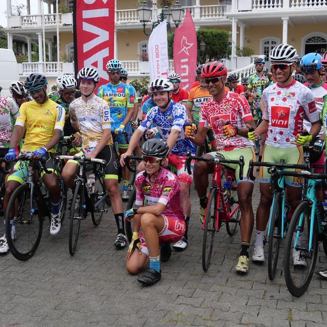 Stage 7.1 Départ de la 7ème étape.jpg