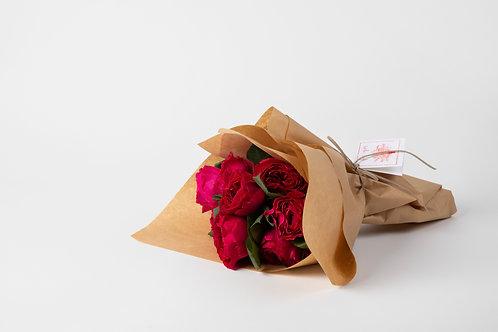 Traditional Valentine Wrap | 1/2 Dozen Garden Roses