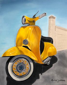 קטנוע צהוב