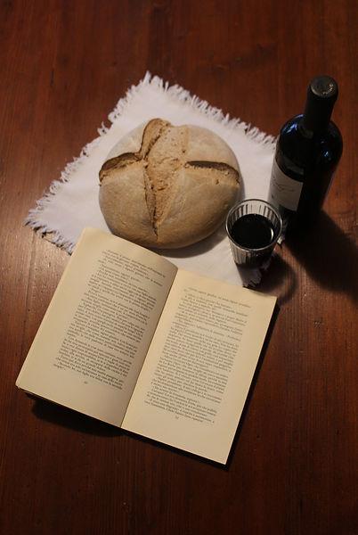 libro e vino e pane.jpg
