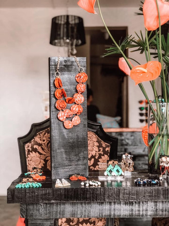 Wearing Fiji Studio - Inside look