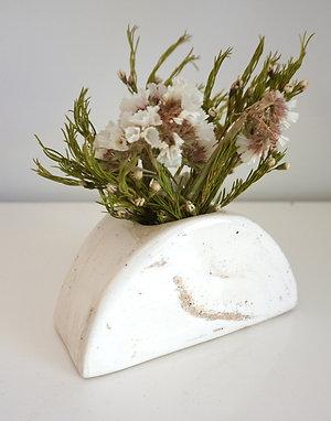 Half-circle Sandy Marble Flower Vase