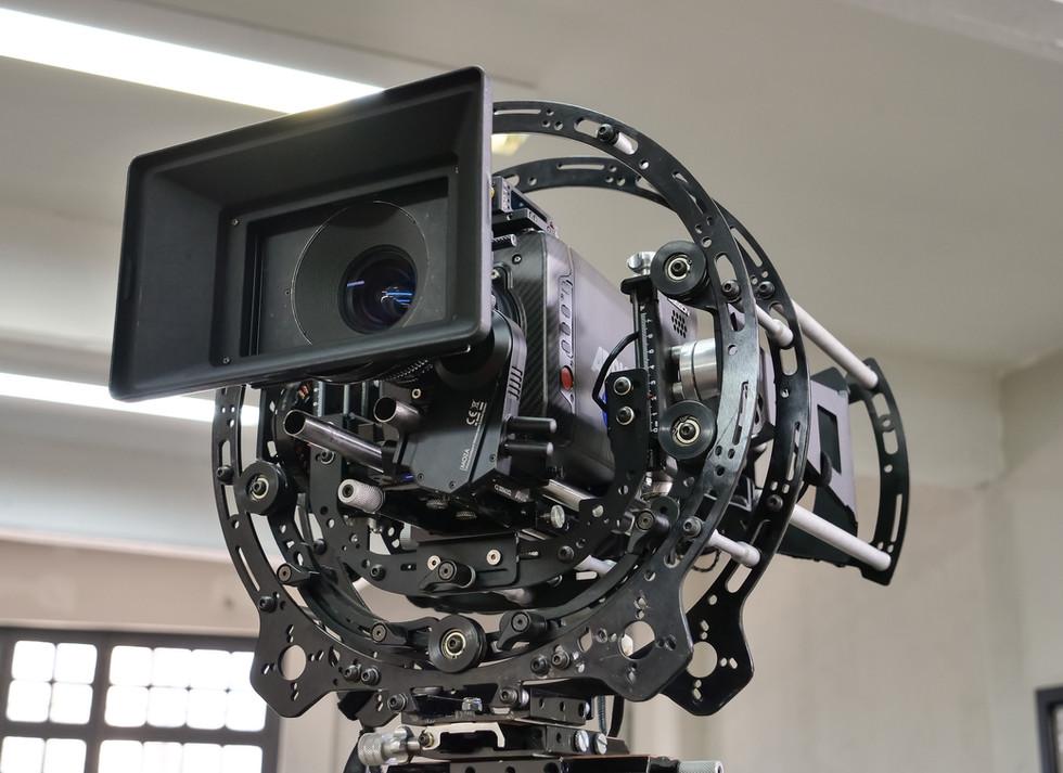 Hybrid Steadycam with Arri alexa mini on the rotary head of a hybrid steadycam Endless 3 Basson Steady camera stabilizer