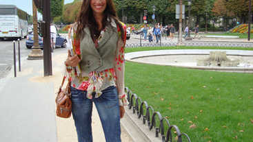 Walk thru Les jardins des Tuileries and Avenue des Champs Elysees