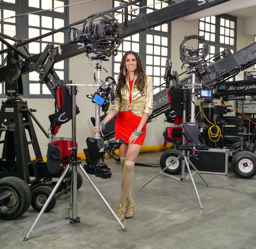 Arri alexa mini model possing besides the hybrid steadycam Endless 3 Basson Steady camera stabilizer