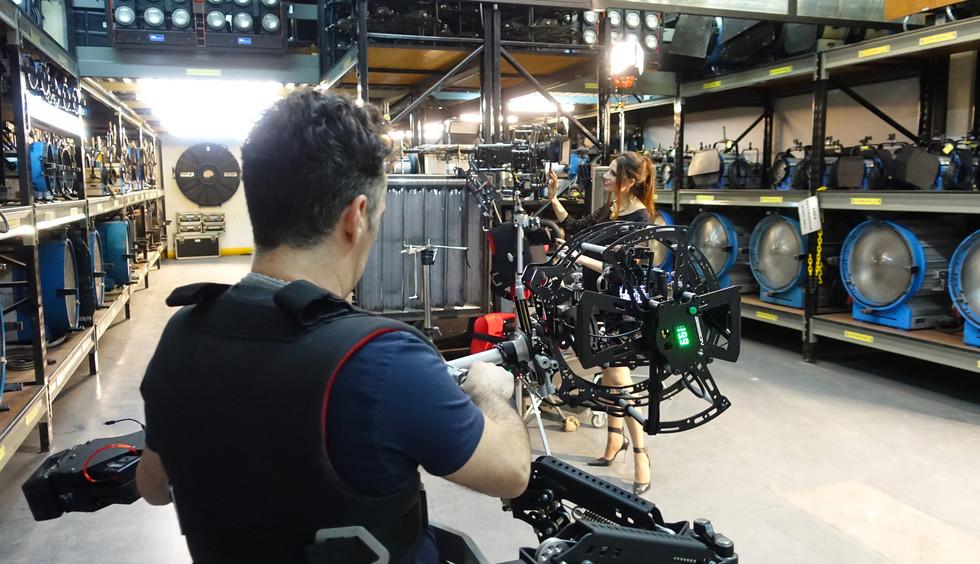 Hybrid Steadycam Basson Steady camera stabilizer with  digital cinema camera, backstage photo camaras y luces