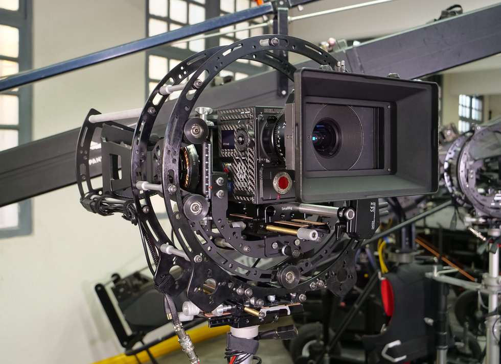 Red camera Helium 8k weighting before adding to Basson Steady model Endless 3 rotary head hybrid camera stabilizer