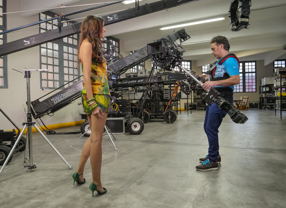 Testing the new Red camera Helium 8k on 8 axis hybrid camera stabilizer steadycam from Basson Steady model Endless 3