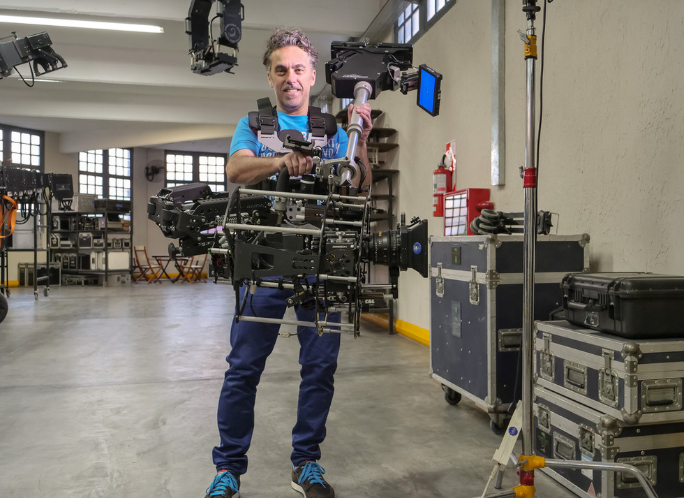 steadicam vs gimbal vs hybrid steadycam testing the new Red camera Helium 8k on steadycam Basson Steady model Endless 3 rotary head hybrid camera stabilizer