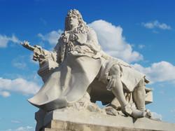 Andre Le Notre statue Chateau Chanti