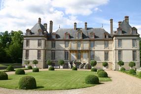 Château de Bourron, LE MEILLEUR DE L'ART DE VIVRE À LA FRANÇAISE. A moins d'une heure de Paris, près