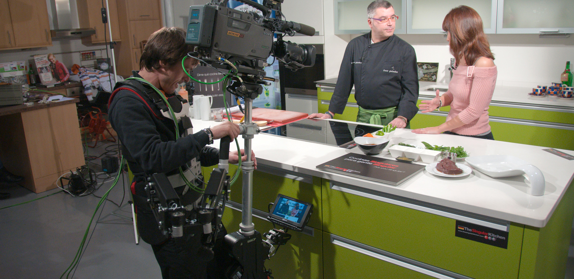 camera stabilizer Steadycam Basson Steady, customer photo Kike Bueno kitchen tv show