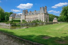 Château de Courances, A still lived-in Louis XIII château