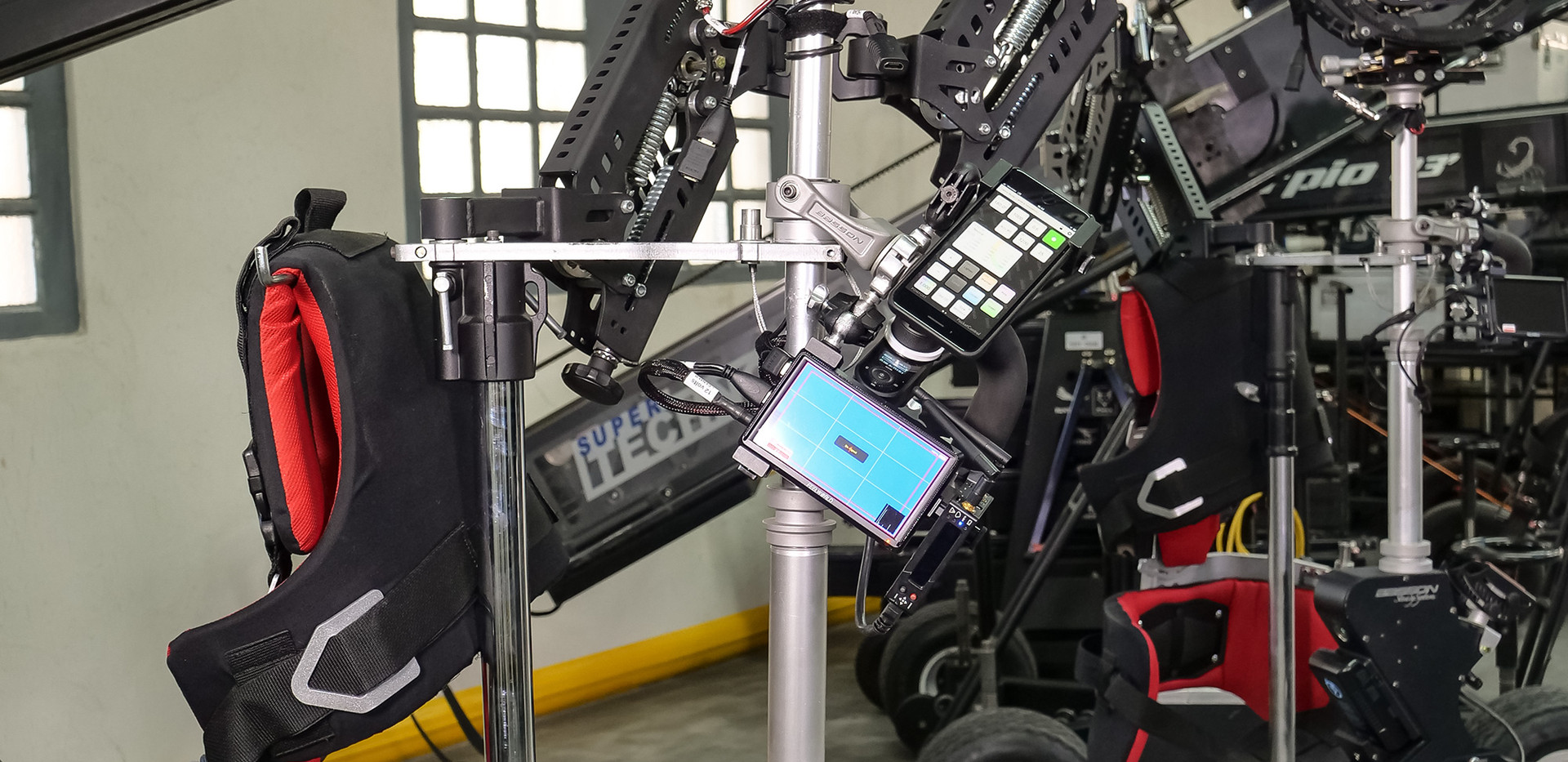 Hybrid Steadycam with Arri alexa mini plus hybrid steadycam Endless 3 Basson Steady camera stabilizer
