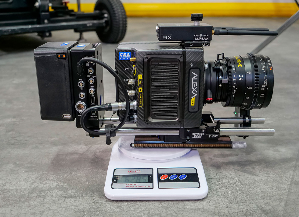 Testing the weight of the camera Arri alexa mini, before installing on the rotary head Endless 3 made by Basson Steady camera stabilizer