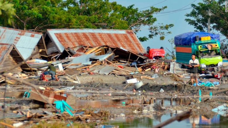 180928235201-06-indonesia-quake-0928-exl