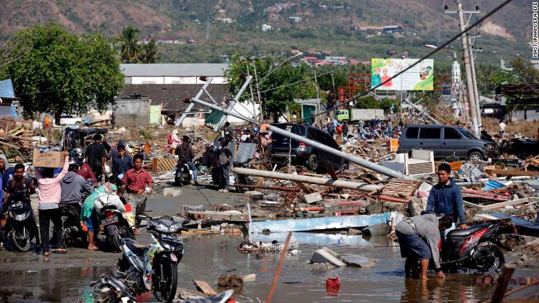 180930085120-07-indonesia-earthquake-093