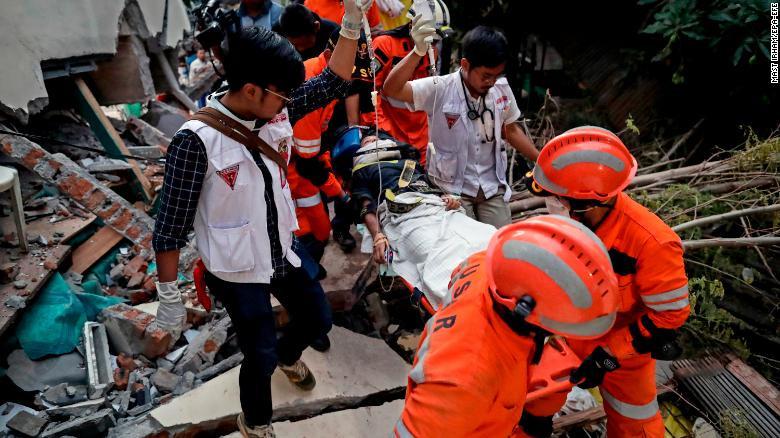 180930083342-06-indonesia-earthquake-093