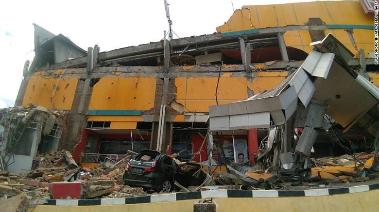 180929165214-13-indonesia-earthquake-092