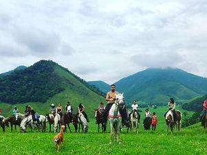 Passeio a cavalo em Aldeia Velha.jpg