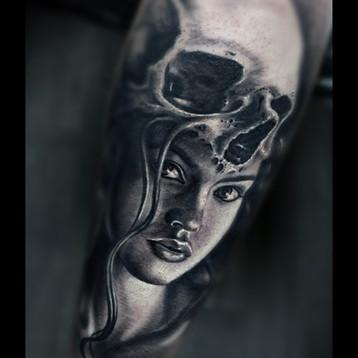 skull-girl-tattoo-londonjammestattoo-stu