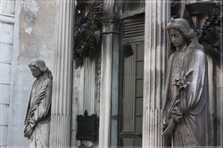 La Recoleta Cemetary #4, Mourners
