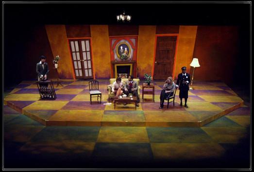 The Bald Soprano / Dogg's Hamlet