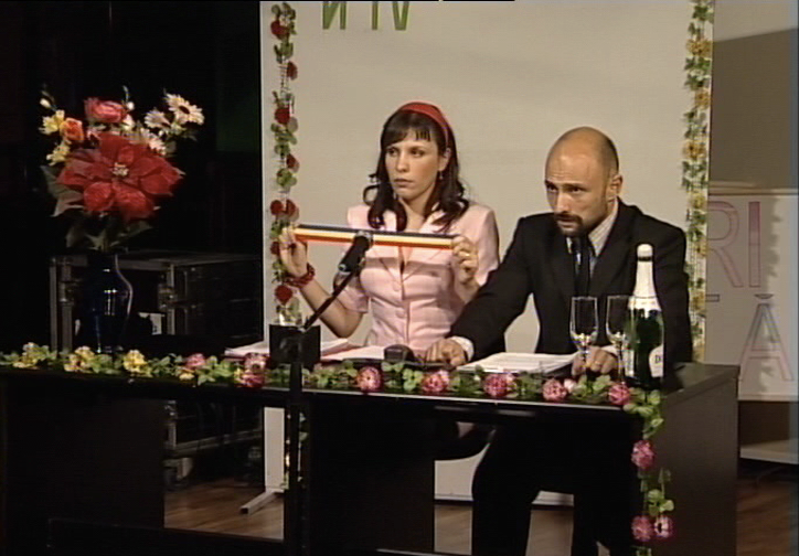 MIRABELA in LIVE BROADCASTED DIVORCE