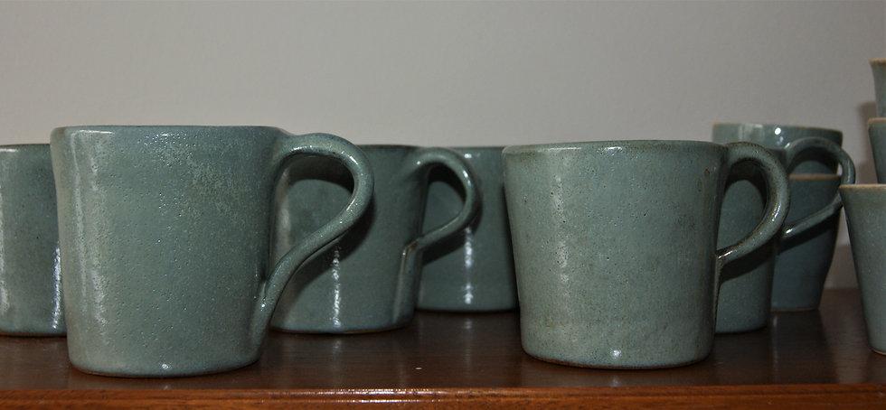 Mug, bol, coupelles en ceramique