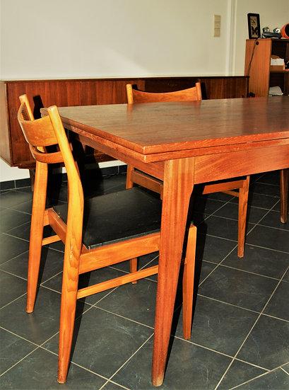 Table avec allonges et 6 chaises