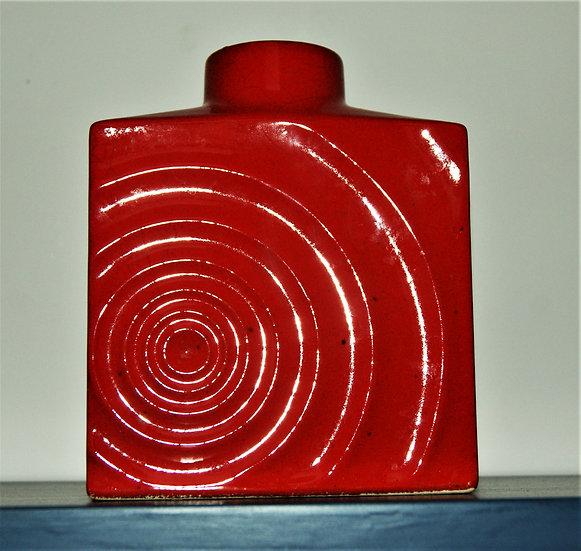 Vase rouge Zyklon