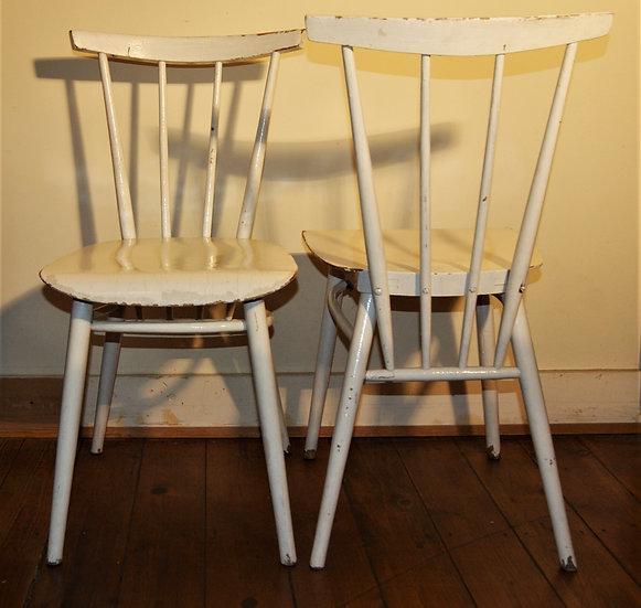 Chaises à barreaux