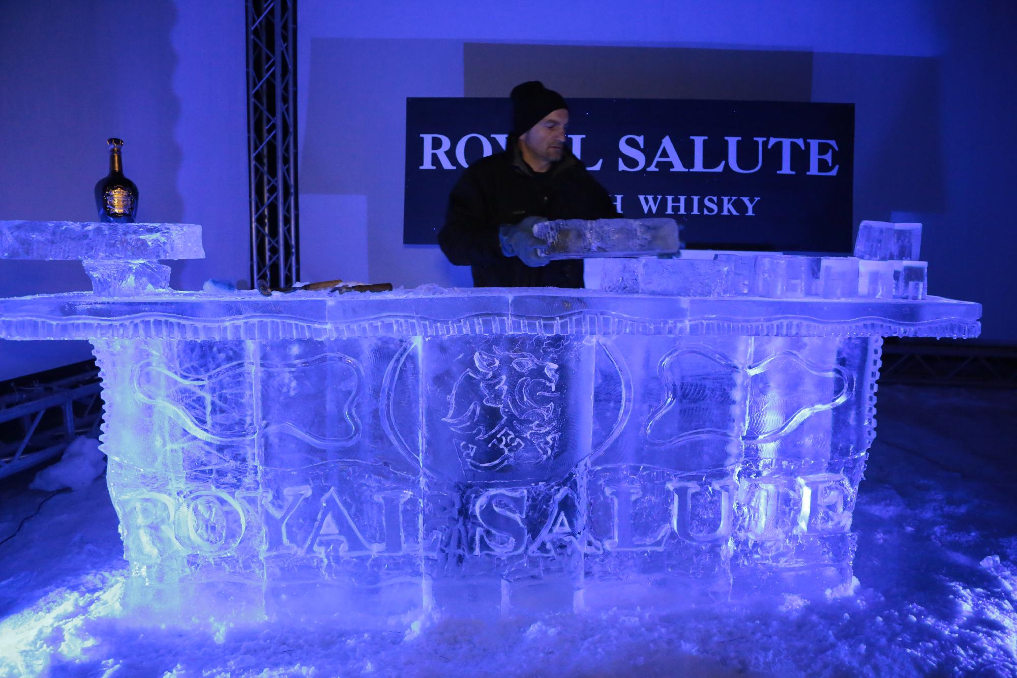 bar royale salute