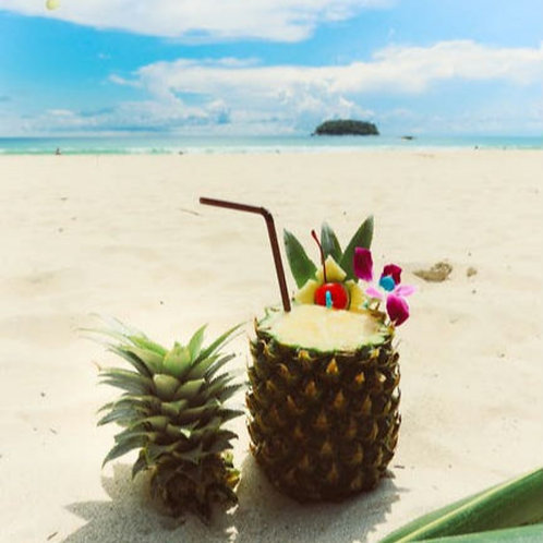 Cocktail in Ananas