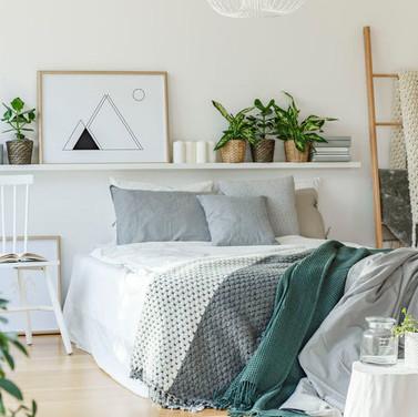 Interior Design Hacks: Organize a Small Bedroom on a Budget