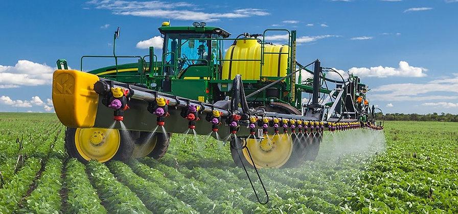 maquinarios-agricola w.jpg