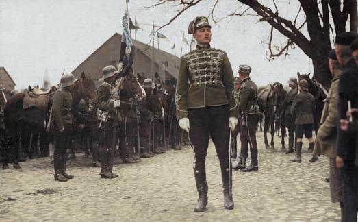 Ratsarügemendi paraadi eel