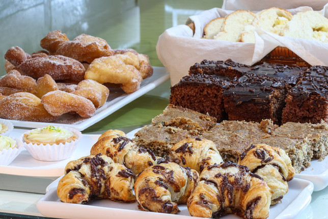 Croissant e bolos