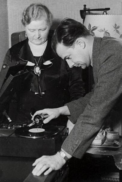 WS mit Mutter 1936.jpg
