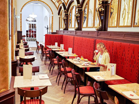 Attention Chocolate & Dessert Lovers! We Are Spilling the Beans about Coffee Houses in Vienna…