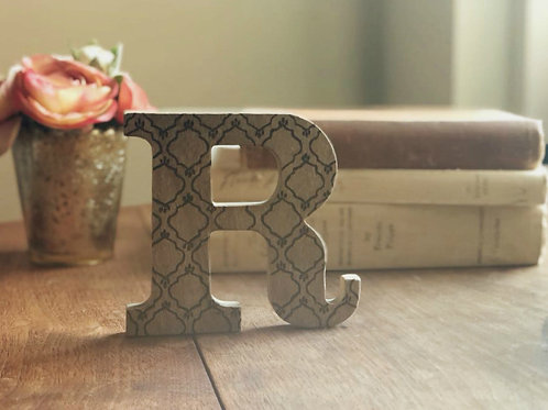 Handmade wood burned letter initial. Personalized name monogram product. Home decor. Letter R.